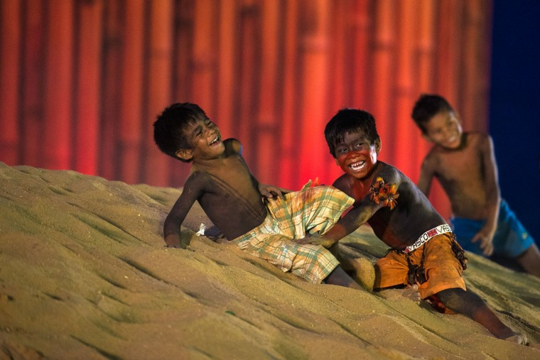 Brazilian indigenous children play during the first World Indigenous Games on October 25, 2015 in Palmas, Brazil. (Photo by Buda Mendes/Getty Images)