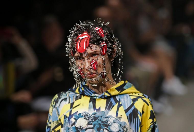 A model displays creations by PLASTICTOKYO designer Keisuke Imazaki during the 2016 Spring/Summer show at Tokyo Fashion Week Tuesday, Oct. 13, 2015. (AP Photo/Shuji Kajiyama)