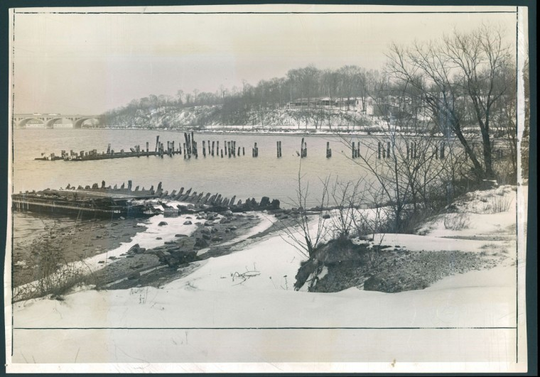 The Cherry Hill water front at its Middle Branch site is pictured on Jan. 29, 1940. (Baltimore Sun photo)