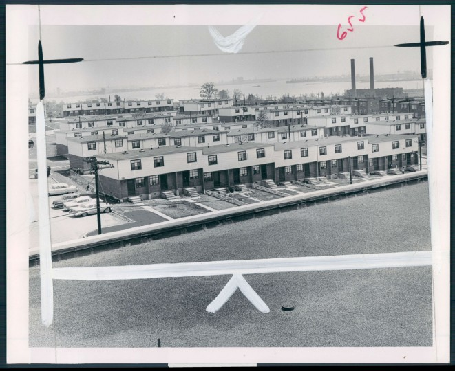 A view of housing projects in Cherry Hill on May 16, 1961. (Baltimore Sun photo by William H. Mortimer)