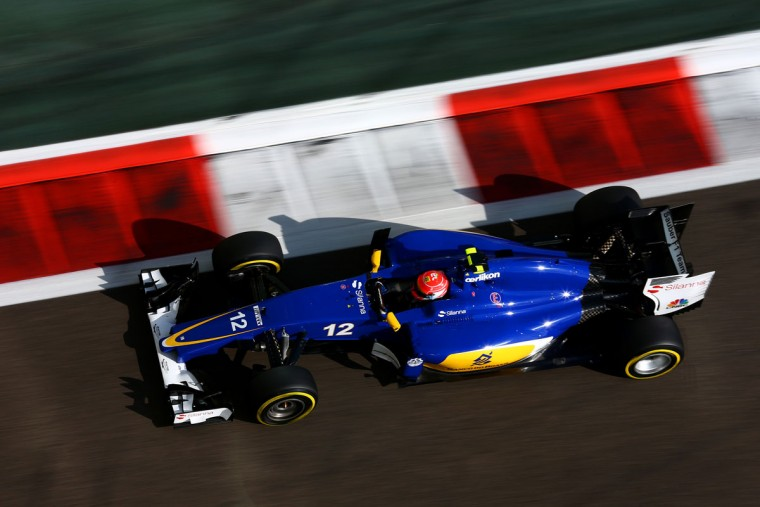 Felipe Nasr of Brazil and Sauber F1 drives during practice for the Abu Dhabi Formula One Grand Prix at Yas Marina Circuit on November 27, 2015 in Abu Dhabi, United Arab Emirates. (Photo by Clive Mason/Getty Images)