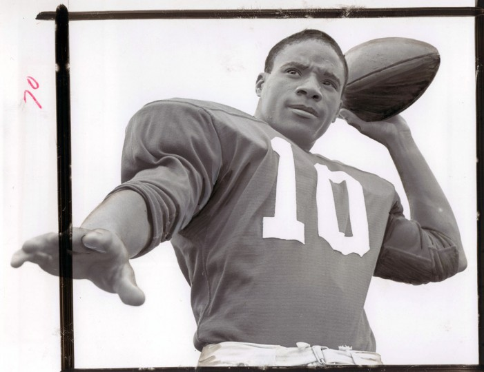 Quarterback Lou Puryear has thrown five touchdown passes for defending B divison champion Edmondson. (William Mortimer/Baltimore Sun, 1964)