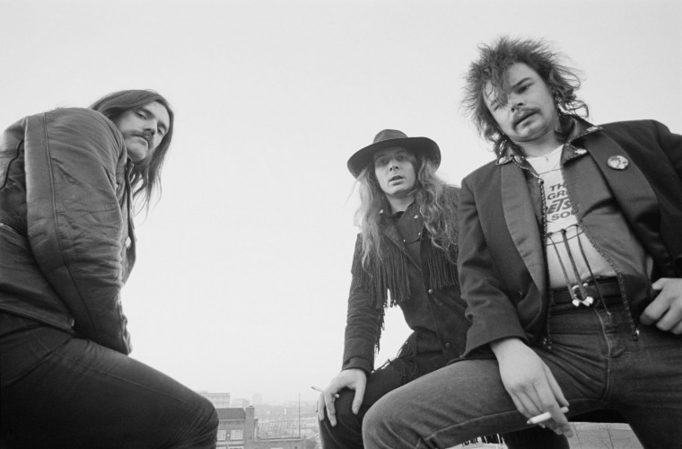 British rock band Motorhead posed in Islington, London in December 1980. L-R Lemmy Kilmister, Phil 'Philthy Animal' Taylor, 'Fast' Eddie Clarke. (Photo by Fin Costello/Redferns)