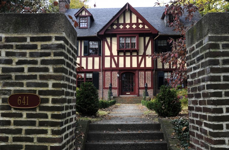 Bob Kean says taxes alone on his West University Parkway home are $12,000. (Baltimore Sun photo by Jed Kirschbaum, Oct. 23, 2009)