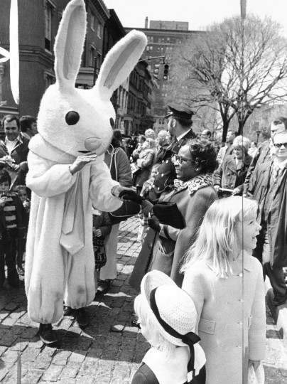 The Easter Bunny at an egg hunt at Mount Vernon place. (Lloyd Pearson/Baltimore Sun, 1975)