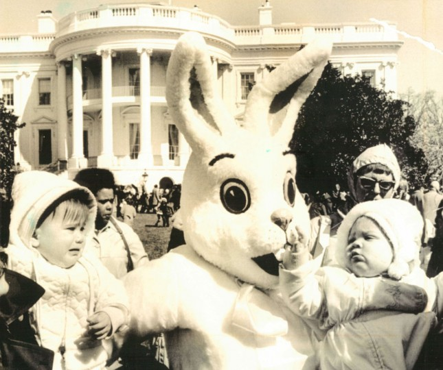 Stephanie Petyak and Jennifer Hoffman meet the Easter Bunny on the lawn of the White House. (AP Wirephoto, 1975)