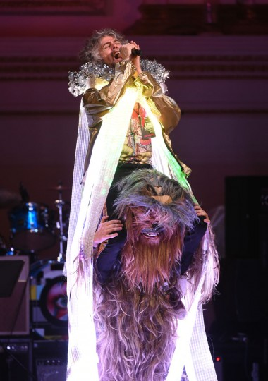 Singer Wayne Coyne and The Flaming Lips perform at The Music of David Bowie tribute concert at Carnegie Hall on Thursday, March, 31, 2016, in New York. (Photo by Evan Agostini/Invision/AP)