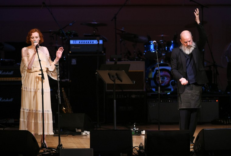 Singers Michael Stipe and Karen Elson perform together at The Music of David Bowie tribute concert at Carnegie Hall on Thursday, March, 31, 2016, in New York. (Photo by Evan Agostini/Invision/AP)