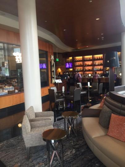 Sexy Lobby Bar... Drinks on O tonight