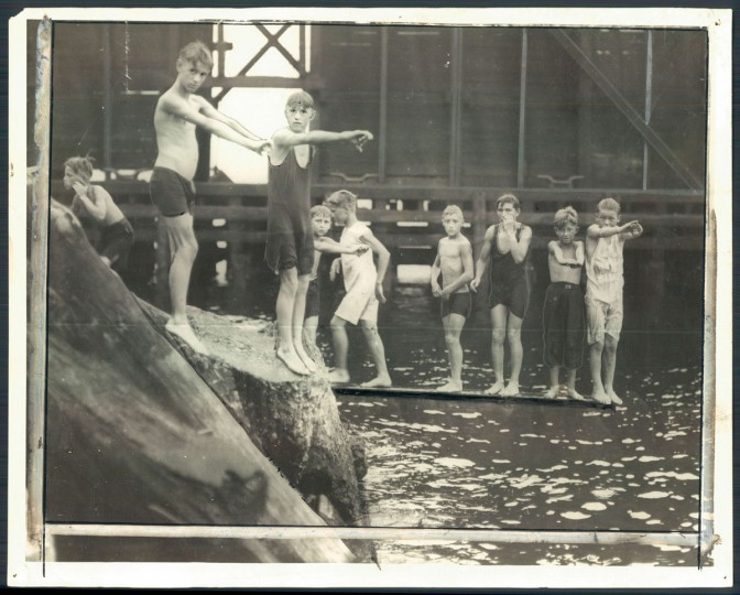 Patterson Park Swimming Pool, July 10, 1925. (Baltimore Sun)