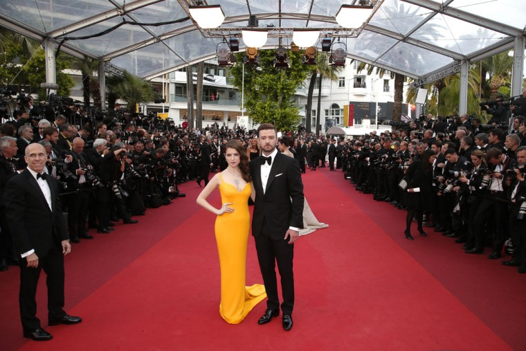 Actors Anna Kendrick, centre left, and Justin Timberlake arrive for the screening of the film film Cafe Society and the Opening Ceremony with producer Jeffrey Katzenberg, far left, at the 69th international film festival, Cannes, southern France, Wednesday, May 11, 2016. (AP Photo/Thibault Camus)