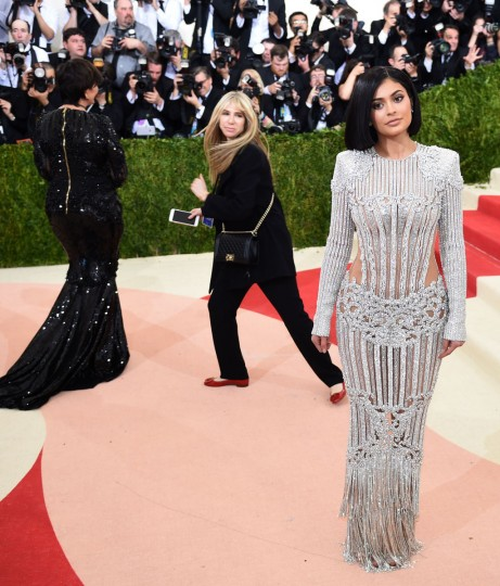 Kylie Jenner arrives for the Costume Institute Benefit at The Metropolitan Museum of Art May 2, 2016 in New York. / AFP PHOTO / TIMOTHY A. CLARYTIMOTHY A. CLARY/AFP/Getty Images