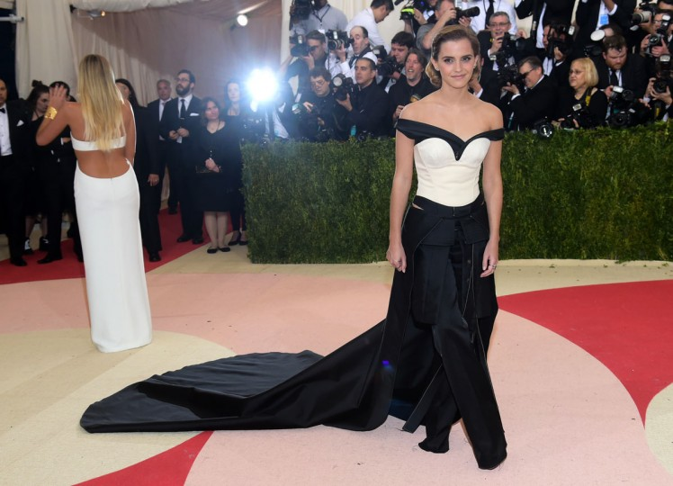 "Emma Watson arrives at The Metropolitan Museum of Art Costume Institute Benefit Gala, celebrating the opening of ""Manus x Machina: Fashion in an Age of Technology"" on Monday, May 2, 2016, in New York. (Photo by Charles Sykes/Invision/AP)"