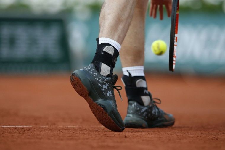 Britain's Andy Murray serves in his first round match of the French Open tennis tournament against Radek Stepanek of the Czech Republic at the Roland Garros stadium in Paris, France, Monday, May 23, 2016. (AP Photo/Alastair Grant)