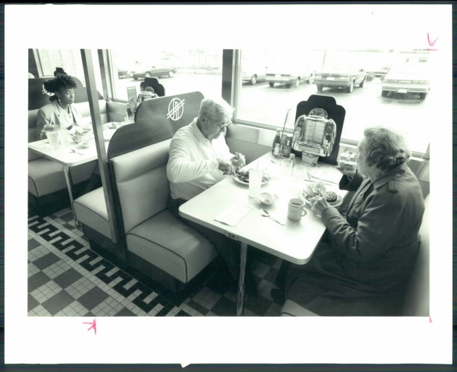 Silver Diner in Laurel, 1990. (Thorsvik/Baltimore Sun)
