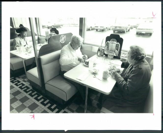 Silver Diner in Laurel, 1990. (Thorsvik/Baltimore Sun)