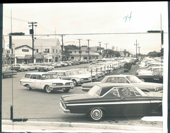 "Rehoboth's name comes from a biblical phrase meaning ""room enough."" But parking space for cars is at a premium. Photo dated August 12, 1964. (Kniesche/Baltimore Sun)"