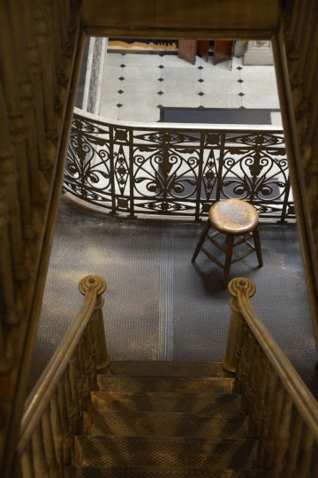 The upstairs levels of the Peabody Library are typically off-limits to inquisitive visitors, but the main reading room welcomes tourists, students and the like. (Christina Tkacik/Baltimore Sun)