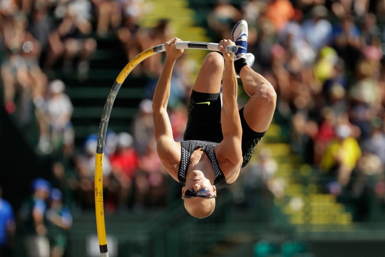 Sam Kendricks competes on his way to placing first in the Men's Pole Vault Final during the 2016 U.S. Olympic Track & Field Team Trials at Hayward Field on July 4, 2016 in Eugene, Oregon. (Photo by Andy Lyons/Getty Images)
