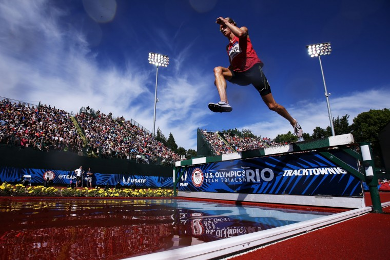 Evan Jager competes in the Men's 3000 Meter Steeplechase during the 2016 U.S. Olympic Track & Field Team Trials at Hayward Field on July 4, 2016 in Eugene, Oregon. (Photo by Patrick Smith/Getty Images)