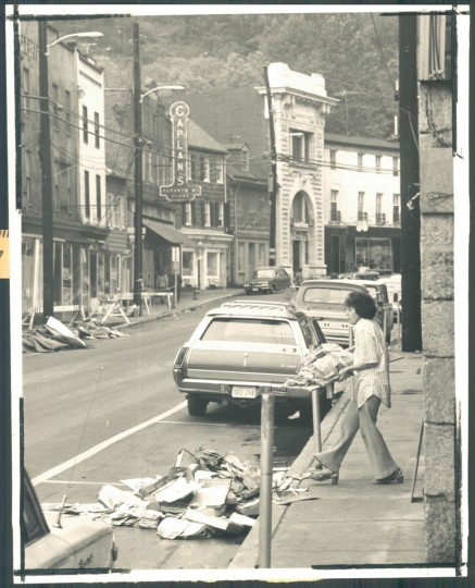 Ellicott City's shopkeepers were still cleaning up debris from Hurricane Agnes when they were hit by Hurricane Eloise in 1975. (Pearson/Baltimore Sun)