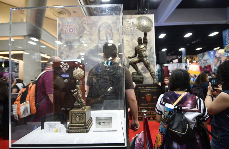 "A statue celebrating the 75th anniversary of ""Captain America"" appears on the Convention Center floor on day 1 of Comic-Con International on Thursday, July 21, 2016, in San Diego. (Photo by Al Powers/Invision/AP)"