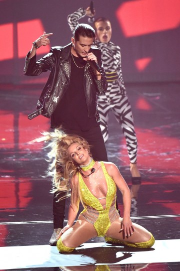 Britney Spears and G Eazy perform onstage during the 2016 MTV Video Music Awards at Madison Square Garden on August 28, 2016 in New York City. (Photo by Michael Loccisano/Getty Images)