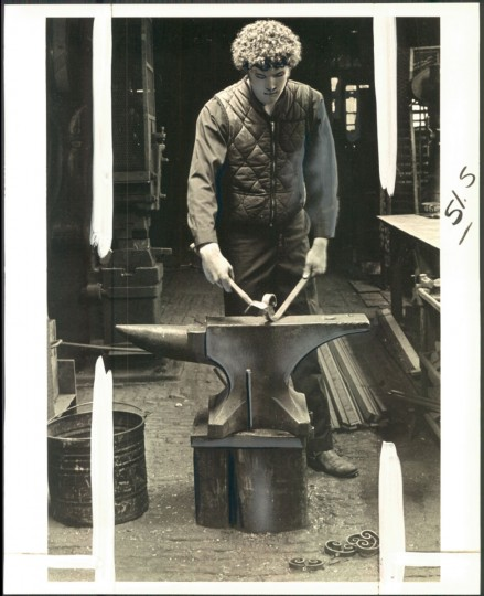 Ironworking at G. Krug & Son in 1977. (Childress/Baltimore Sun)