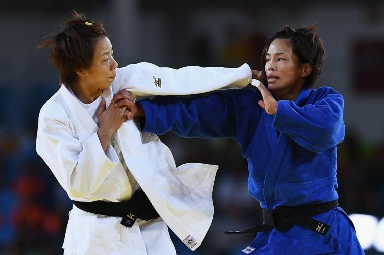 Kaori Matsumoto of Japan (blue) competes against Chen-Ling Lien of Chinese Taipei in the Women's -57 kg Contest for Bronze Medal B on Day 3 of the Rio 2016 Olympic Games at Carioca Arena 2 on August 8, 2016 in Rio de Janeiro, Brazil. (Photo by David Ramos/Getty Images)
