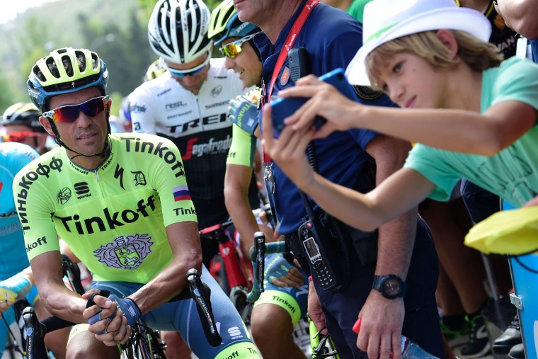"Tinkoff'Spanish cyclist Alberto Contador waits for start of the 16th stage of the 71st edition of ""La Vuelta"" Tour of Spain, a 158km route Alcaniz to Peniscola, on September 5, 2016. (Jose Jordan/AFP/Getty Images)"