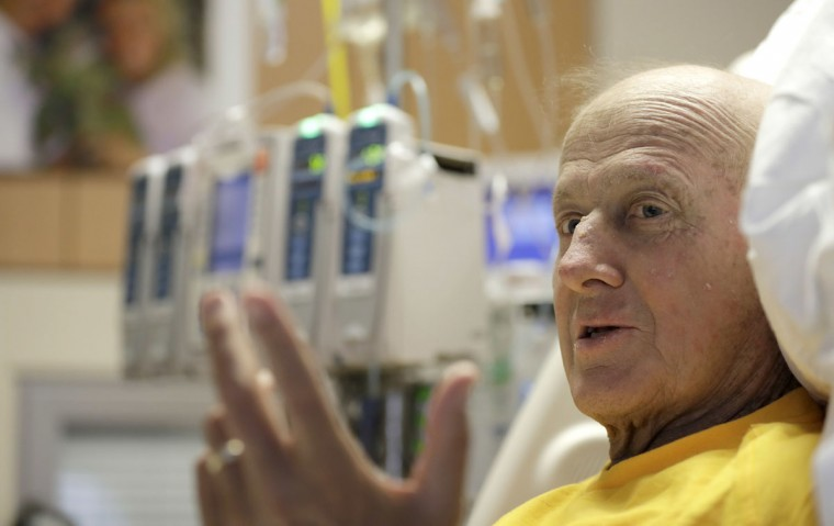 Sportscaster Craig Sager speaks about his fight against cancer Tuesday, Aug. 30, 2016, at MD Anderson Hospital in Houston. Sager underwent his third bone marrow transplant Wednesday as he continues to battle acute myeloid leukemia. (AP Photo/David J. Phillip)