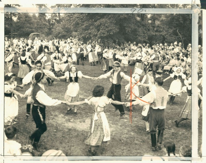 Czechoslovakians dancing in photo dated June 27, 1939. (Baltimore Sun Archives)
