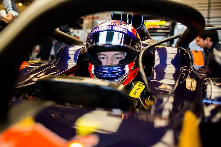 Daniil Kvyat of Scuderia Toro Rosso and Russia during practice for the United States Formula One Grand Prix at Circuit of The Americas on October 21, 2016 in Austin, United States. (Photo by Peter Fox/Getty Images)