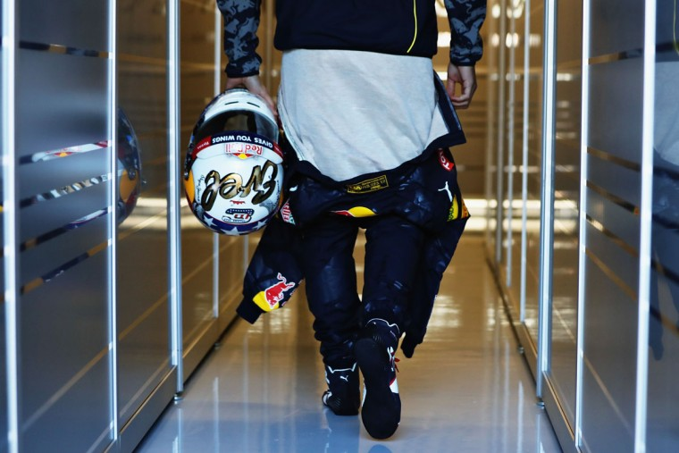Daniel Ricciardo of Australia and Red Bull Racing walks into the garage with his Evel Knievel inspired helmet for the race during practice for the United States Formula One Grand Prix at Circuit of The Americas on October 21, 2016 in Austin, United States. (Photo by Mark Thompson/Getty Images)