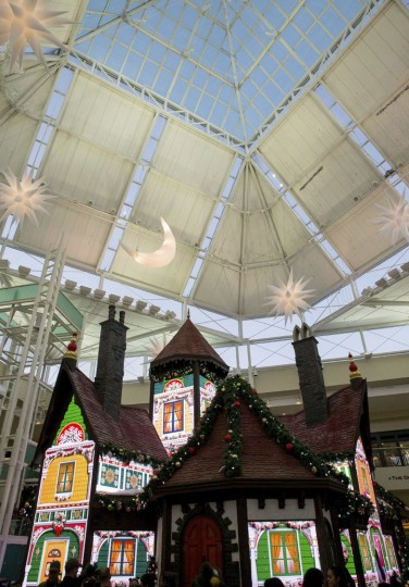 "This Sunday, Nov. 20, 2016, photo shows the ""Adventure to Santa,"" a DreamWorks DreamPlace experience, at North Point Mall, in Alpharetta, Ga. In an effort to lure online shoppers to their stores, many malls are upgrading the traditional visit to Santa into a high-tech spectacle. (AP Photo/Branden Camp)"