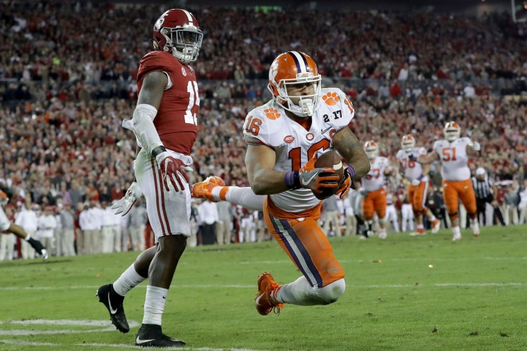 Tight end Jordan Leggett #16 of the Clemson Tigers makes a reception during the second half against the Alabama Crimson Tide in the 2017 College Football Playoff National Championship Game at Raymond James Stadium on January 9, 2017 in Tampa, Florida. (Photo by Ronald Martinez/Getty Images)