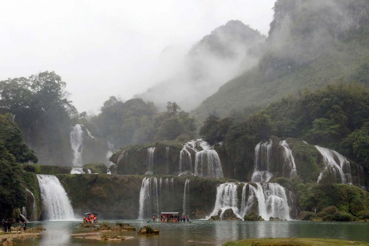 This picture taken on March 12, 2017 shows the Thac Ban Gioc or Ban Gioc falls, located on the Vietnam-China land border area in Trung Khanh district, Vietnam's northern province of Cao Bang. (HOANG DINH NAM/AFP/Getty Images)