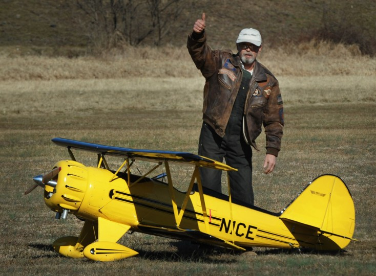 Arthur Pearce, of Bel Air, gives the thumb-up after his model plane landed without incident. (Kenneth K. Lam/Baltimore Sun)