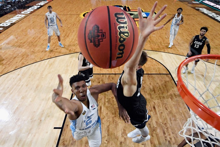 Tony Bradley #5 of the North Carolina Tar Heels shoots against Zach Collins #32 of the Gonzaga Bulldogs in the first half during the 2017 NCAA Men's Final Four National Championship game at University of Phoenix Stadium on April 3, 2017 in Glendale, Arizona. (Photo by Chris Steppig - Pool/NCAA Photos via Getty Images)