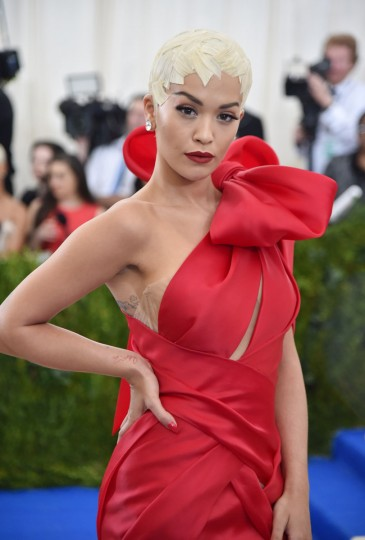"""NEW YORK, NY - MAY 01: Rita Ora attends the """"Rei Kawakubo/Comme des Garcons: Art Of The In-Between"""" Costume Institute Gala at Metropolitan Museum of Art on May 1, 2017 in New York City. (Photo by Theo Wargo/Getty Images For US Weekly)"""