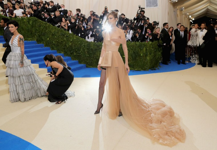 """NEW YORK, NY - MAY 01: Priyanka Chopra attends the """"Rei Kawakubo/Comme des Garcons: Art Of The In-Between"""" Costume Institute Gala at Metropolitan Museum of Art on May 1, 2017 in New York City. (Photo by Neilson Barnard/Getty Images)"""