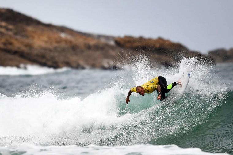 Brazil's Raoni Monteiro competes in the heats 31 - Round 1 on May 23, 2017 in Biarritz, southwestern France, during the 2017 ISA World Surfing Games. (Franck Fife/AFP/Getty Images)