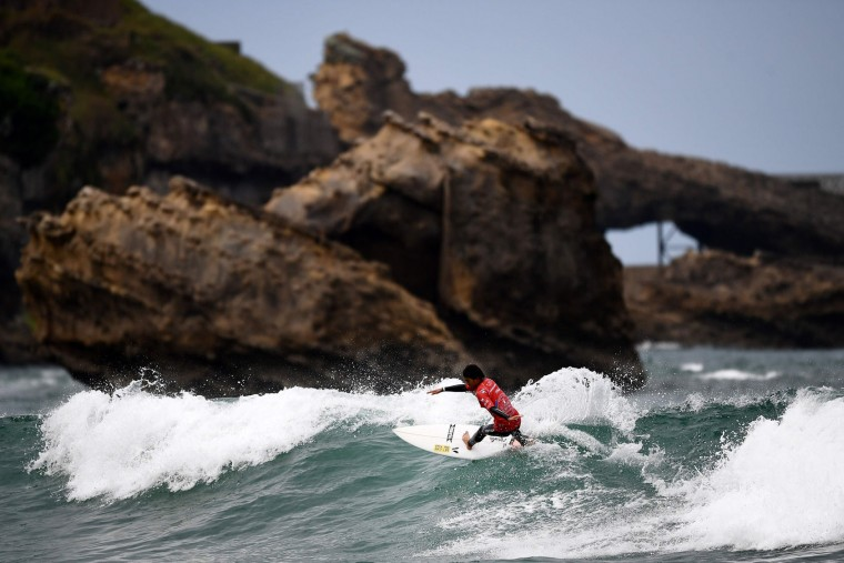 Japan's Yuri Ogasawara competes during the heats 34 - Round 1 on May 22, 2027 in Biarritz, southwestern France, during the 2017 ISA World Surfing Games. (Franck Fife/AFP/Getty Images)
