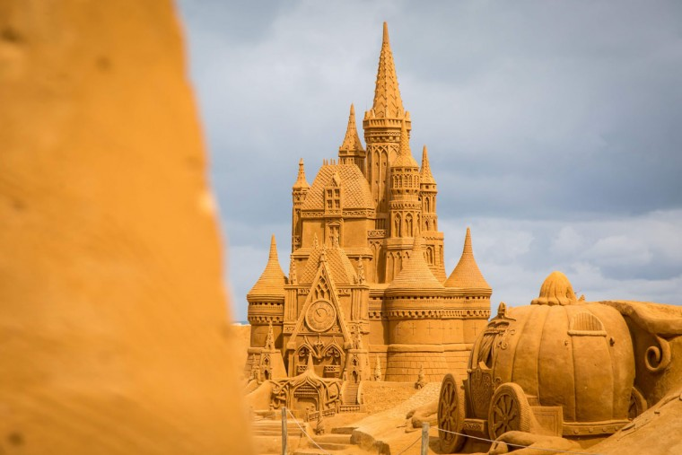 Sand sculptures representing characters and scenes of Disney movies during an exhibition Disney Sand Magic in Ostende. (AFP Photo/ Aurore Belot)
