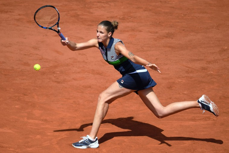 Czech Republic's Karolina Pliskova returns the ball to France's Caroline Garcia during their tennis match at the Roland Garros 2017 French Open on June 7, 2017 in Paris. (Francois Xavier Marit/AFP/Getty Images)