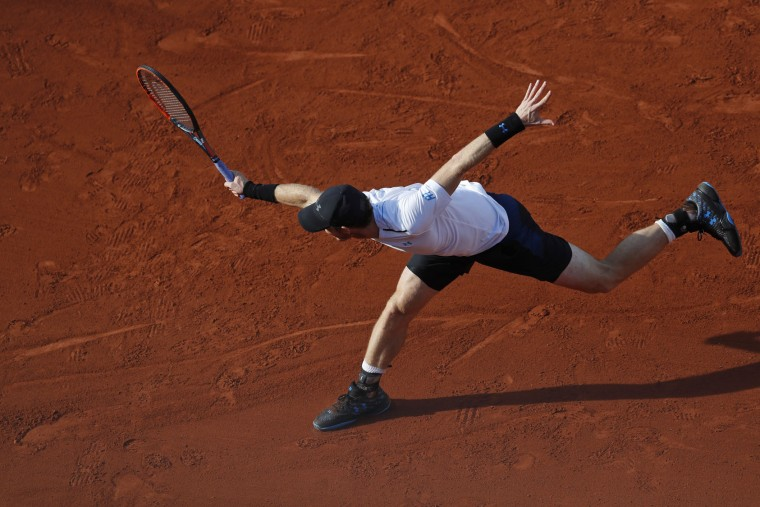 Britain's Andy Murray plays a shot against Japan's Kei Nishikori during their quarterfinal match of the French Open tennis tournament at the Roland Garros stadium, in Paris, France. Wednesday, June 7, 2017. (AP Photo/Petr David Josek)