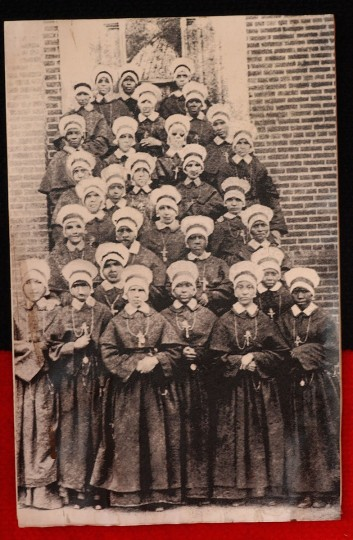 BALTIMORE,MD -- 2/1/05 1906 photo of nuns at St. Frances Academy. (JED KIRSCHBAUM/BALTIMORE SUN)