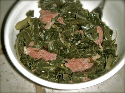 Southern collard greens recipe soul food style divas can cook growing up my grandmother use to prepare collard greens almost every sunday and for a while it was the only vegetable id ever eat forumfinder Images