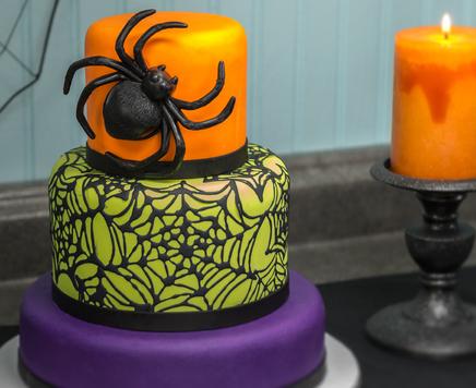 How-To Make a 3-Tier Spider & Web Fondant Cake