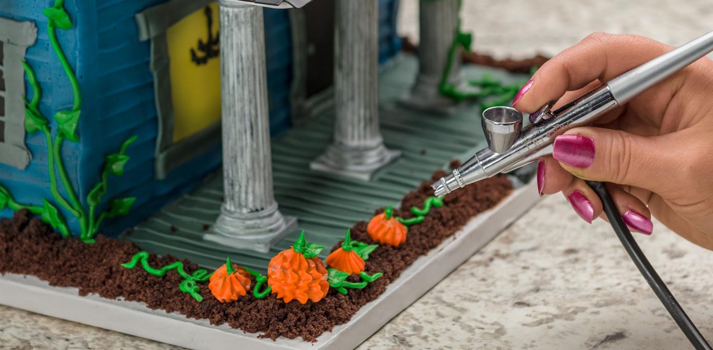 Haunted House Cake Airbrush
